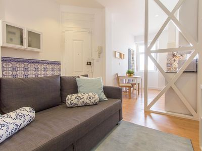 Photo for Apartment 4th floor in the middle of Bairro Alto