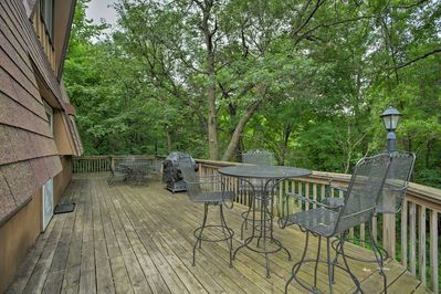 The cabin has a large deck, 2 bedrooms, 2 bathrooms, and sleeps 6.