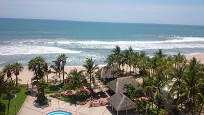 Photo for Fantastic Beach Front Condo with stunning views