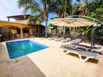 Photo for Magnificent villa with swimming pool, zoo, 2000m2 outdoor area. All private