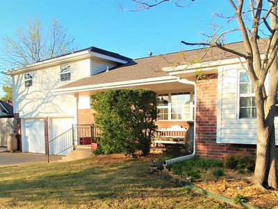 Photo for Great home 4bd, 2.5 bath w/ hot tub is centrally located, minutes to OKC/Norman