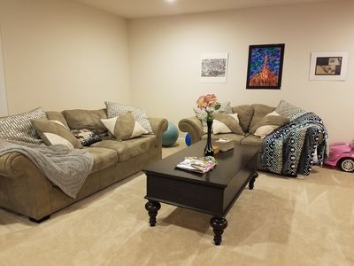 Spacious Private Guest Suite with Private Entry
