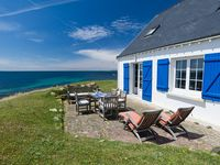 A lovely traditional Breton house right by the sea