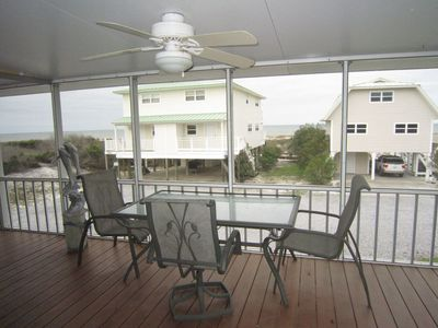 Great Views 1st Tier Screen Porch 100 steps to beach Pet Yes free WIFI