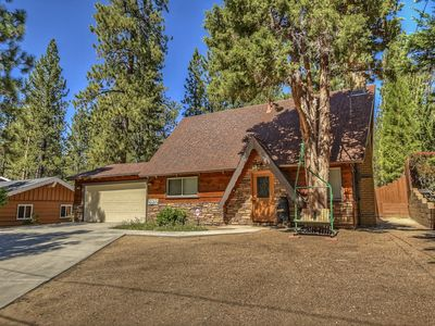 Chalet Catalina: Newly Updated Luxury Near Bear Mountain While Offering Seclusion!
