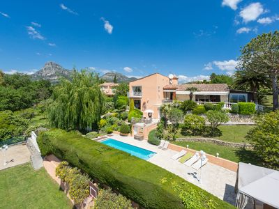 Photo for Exclusive 360 m² villa for 14 people with sea view, swimming pool and garden