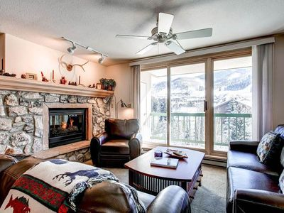 Photo for Mountain views, outdoor pool & hot tub, daily housekeeping and free wi-fi