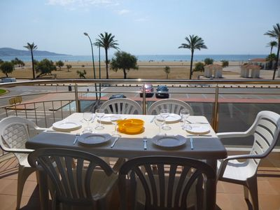 Photo for Apart-rent-Apartment in front of the beach with community pools (0086)
