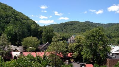 Photo for MTN VIEWS, DOWNTOWN, ON THE PARKWAY, RIPLEY'S AQUARIUM, OBER GATLINBURG