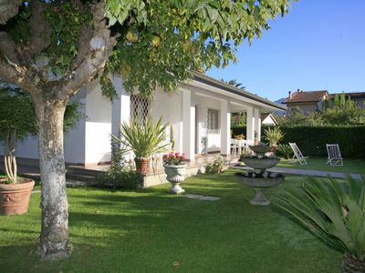 Photo for 3 bedroom Villa, sleeps 5 in Forte dei Marmi with Air Con and WiFi