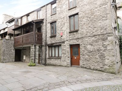 Photo for 11 CAMDEN BUILDING, family friendly in Kendal, Ref 965847