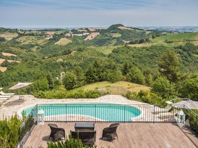 Photo for Villa Ise with pool and magnificent view in Montefelcino, 25 km from the beaches of Fano and Pesaro