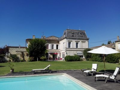 Photo for Large family house with beautiful garden and swimming pool in calm but in Libourne