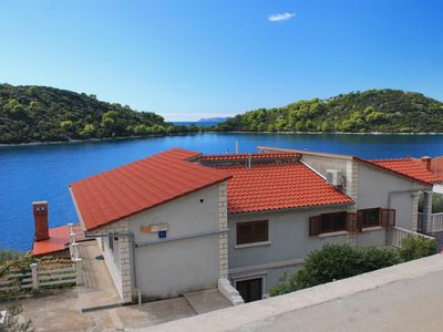 Photo for Apartment in Karbuni (Korčula), capacity 2+2