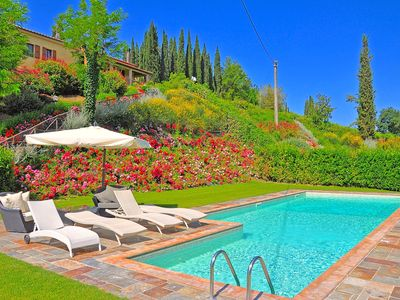 Photo for Superb villa with private swimming pool and classy interiors in San Gimignano