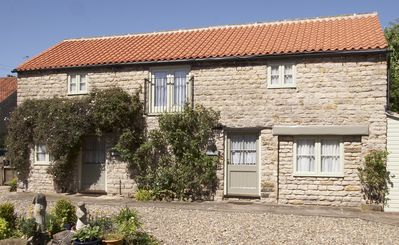 Photo for Converted stable mews cottage with twin or kingsize bedroom
