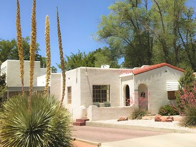 Photo for Gorgeous 1930s Casa-Jet Tub, Detached Casita avail, Nob Hill Rt 66 Best Location