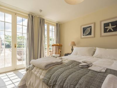 Photo for Pigsty Cottage - Luxurious apartment within orangery