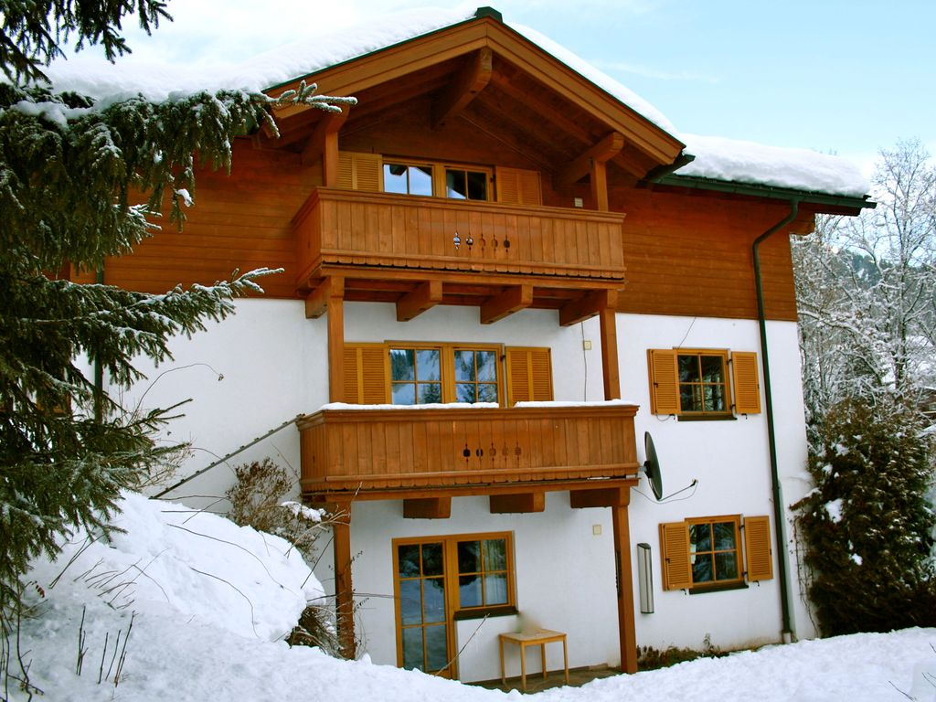 Chalet in montagna per 10 persone nel hinterthal 1168733 for Piani chalet sci