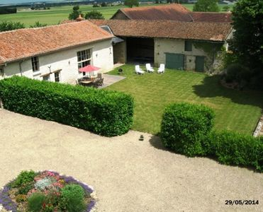 Photo for 4 bedrooms 8 pers internet heated pool linen and towels provided cleaning included