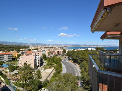 Photo for Fluromar3: spacious apartment with sea views, wifi, washing machine, fans, swimming pool, parking