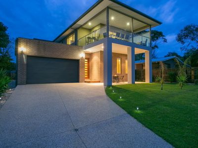 Photo for Luxury at Dromana Grove with Spa and Pool, 150 metres from the Beach