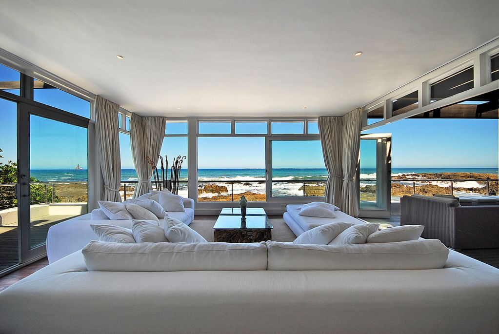 An Extraordinary Beach House With One Of The Best Views In World