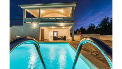 Photo for Villa with swimming pool near the beach