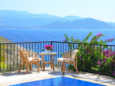 Photo for 3 Bedroom villa, private pool, wonderful views, 200 mtrs from the sea
