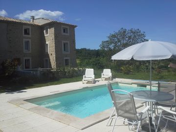 cottage in a farmhouse of character surrounded by vineyards in the Luberon - gîte 70 m2 Les Oliviers