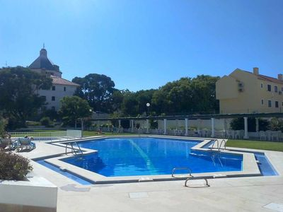 Photo for Fantastic apartment with pool, a / c at 3 min. walk from Vilamoura Marina