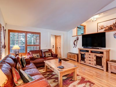 Photo for Luxury Home Close to Ski Lifts, Private Hot Tub, Heated Garage!