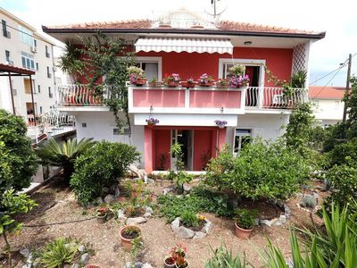 Photo for Three bedroom apartment with balcony Trogir (A-17442-a)