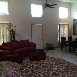 Delightfully spacious - modern, clean&new with a 6 ft bath tub and kitchen for 4