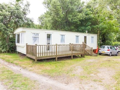Photo for 6 berth caravan for hire with decking in Suffolk ref 32062