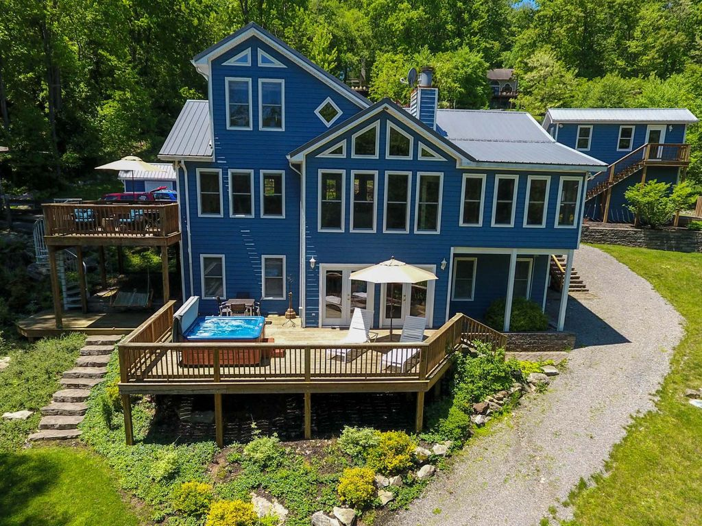 Boats And Slopes 5 Bedroom Lakefront Home Vrbo
