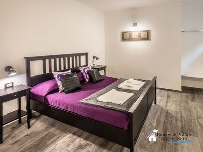 Photo for At 300 meters from the sea, wifi, air conditioning, bright and spacious.