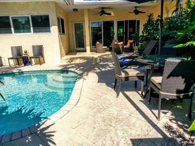 Tropical beach home with Pool & hot tub 1 block to the beach and the Auberge!