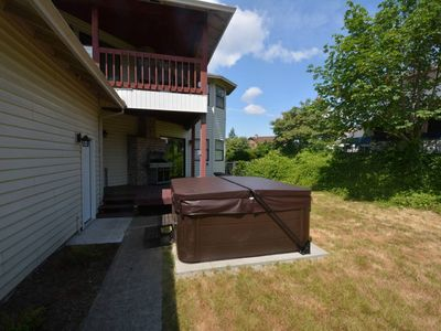 Photo for Spacious 5,000+ sq ft house, Close to PDX Airport