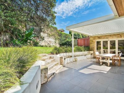 Photo for NTH04 - Spacious and Beautiful Sandstone House near Everything with Outdoor Ent