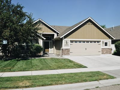 Photo for Spacious 2Br/2Ba Meridian home with covered patio.