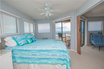 View from bedroom to the ocean