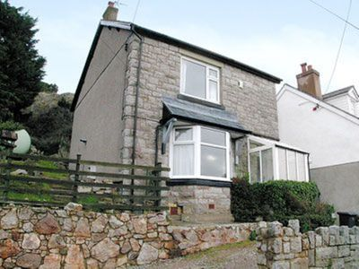 Photo for 2 bedroom property in Colwyn Bay. Pet friendly.