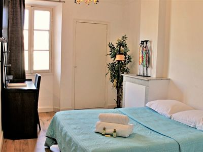 Photo for Sunny 1 Bedroom Rue Commandant André