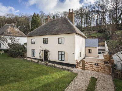 Photo for Luxury and Child-friendly Cottage Sleeps 6 in Unique Milton Abbas