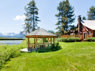 The Salmon River Home - On the Banks of the Salmon River