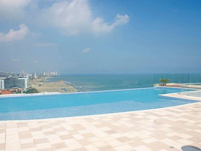 Photo for LUXE Spiaggia Apartment/Pool/Jacuzzi BY NOMAD GURU