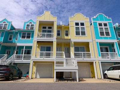 Photo for Breezy Tree at Cambridge Cove 2 Bedroom Deluxe Townhome