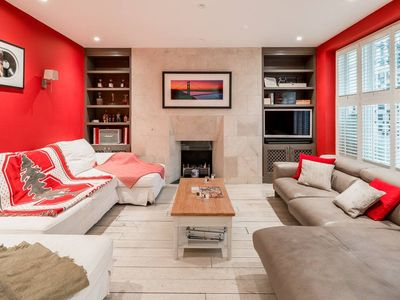 Photo for Luxurious 2 Bed flat w/Jacuzzi in Notting Hill