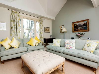 Photo for Stylish 2BR maisonette apartment in Fulham, by Veeve